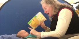 Reading to your baby using sign language